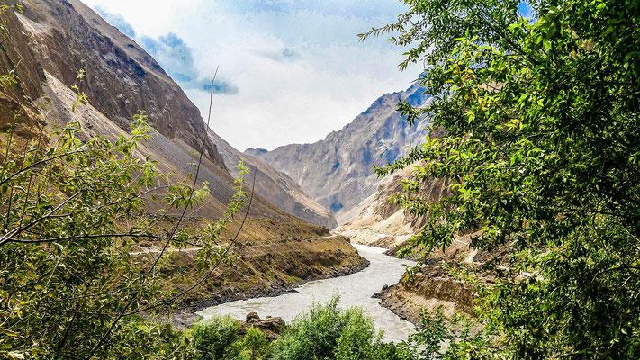 Panj river, left Tajikistan, right Afghanistan