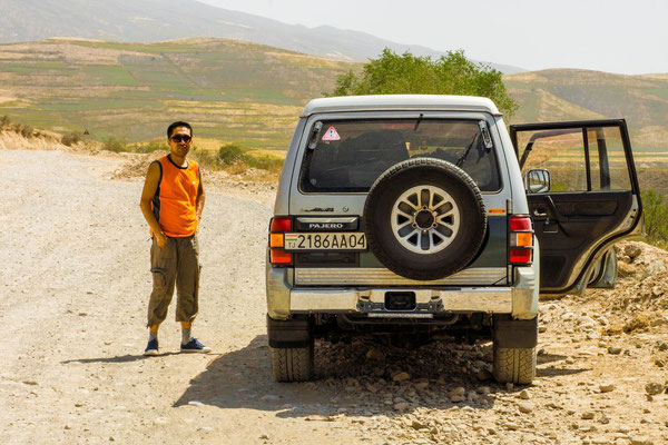 Nurali, best driver on the gravel roads with his SUV, V6 cylinder 141 hp