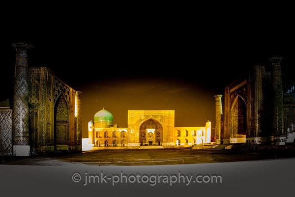 Registan by night__Tilya Kori Madrassah illuminated