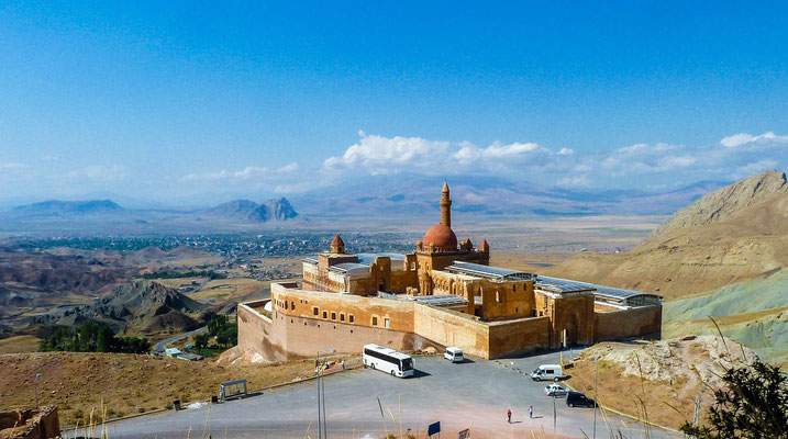 Ishak Pasha Palace with Doğubeyazıt in background