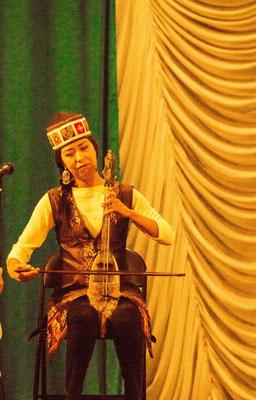 Zalina Kasymova, one of Kyrgyzstans top Kyl Kyak (Horse hair fiddle) players