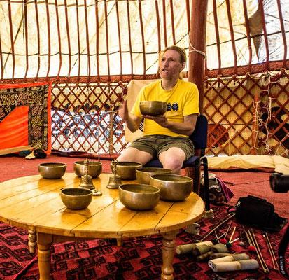 Tibetan singing bowls workshop with Michael