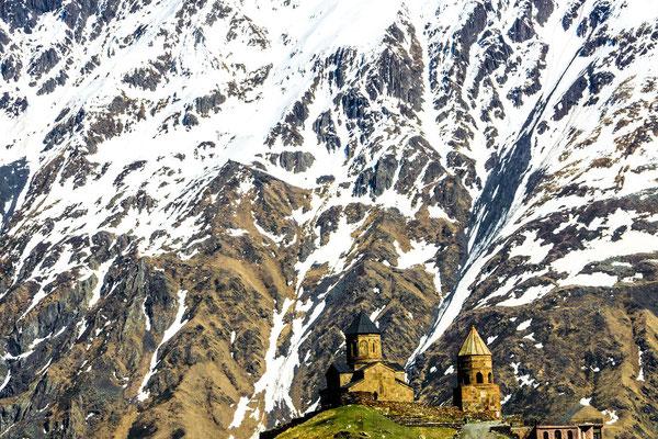Zminda Sameba Church  (Gergeti Trinity Church)   (2170m)