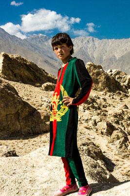Tajikistan,  Kaakha-Kala fortress - Alfia poses for tourist