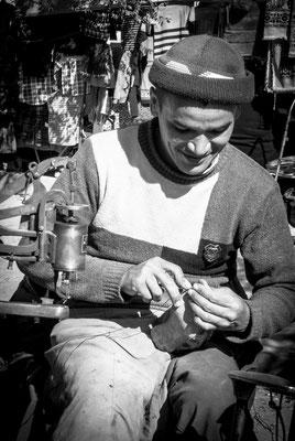 Osh, Kirgistan - shoemaker