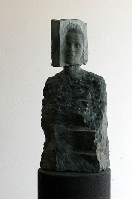 O.T., 2003, Olivindiabas, 2-teilig, 80 (170,5)x33x29 cm