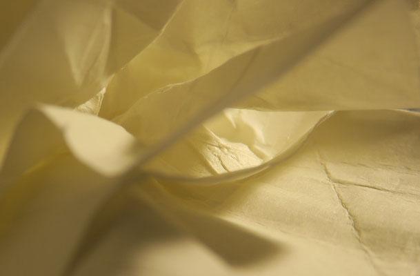 Kunstlicht auf Papier