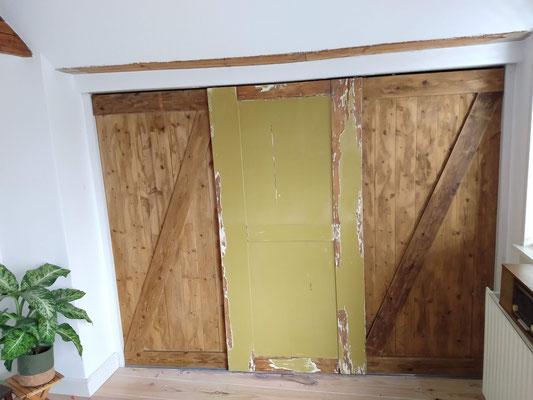 Barn door, en een oude kast deur