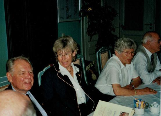2002 75 Jahre ESSC - Gerhard + Ute Schneider, Vera Wagenführ, Seppel Wäsch (von li.)