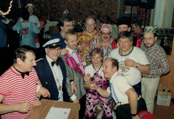 1988 Ramba Zamba - Helmar Müller, Wolfgang Gäßler, Hans Hermann, Karlheinz Eller, Martin Müller, Herbert Freudenreich, Seppel Wäsch, Hans Jörg Simonis, Christa + Kurt Bender, Karl Heinz Butzbach (von hinten li.)