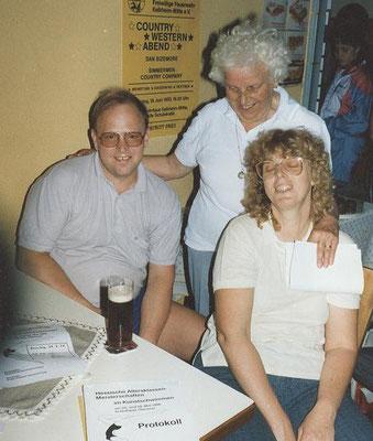1988 Hessische Altersklassenmeisterschaften Kunstschwimmen in Hofheim - Annette + Wolfgang Gäßler, Mia Heckert