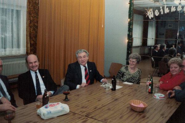 1987 Weihnachten - Kurt Bender, Walter + Margot Baloun, Inge Meuser (von li.)