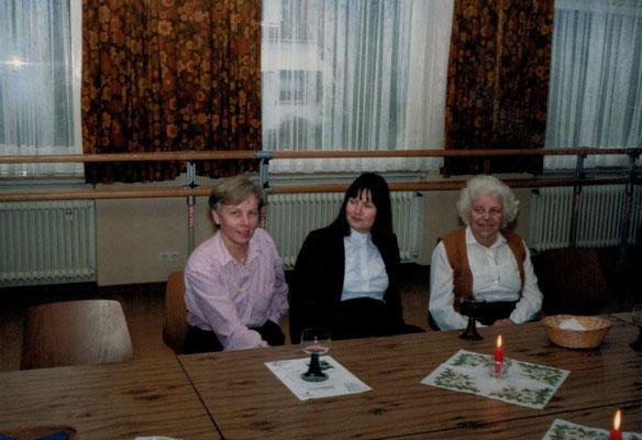 1987 Weihnachten - Christa Bender, Karin Freudenreich, Mia Heckert (von li.)