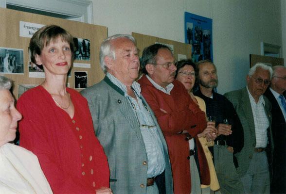 2003 Fotoausstellung - Lieselotte Swierczek, Marion Polydore, Fritz Fuchs, Klaus Bockenheimer, Zita + Hans Jörg Simonis, Günter Bockenheimer (von li.)