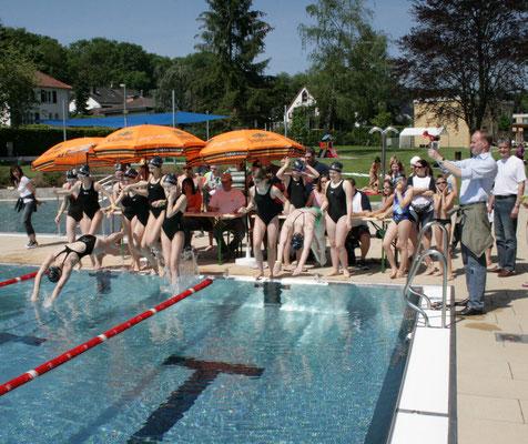 2010 24-Std-Schwimmen Startschuss
