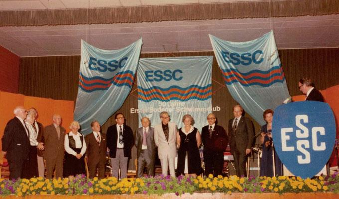 1977 50 Jahre ESSC Ehrenmitglieder (v.l.: Franz Frankenbach, Ursula Dillmann, Ambros Gerstner, Mia Heckert, Hans Heckert, Karl Heiderich, Ehrhard Schramm, Gerhard Stottmeier, Regina Wäsch, Seppel Wäsch, Eugen Zahn, Traudel Krieglstein Dr.Werner Staratzke)