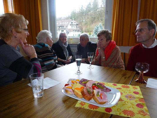 2013 Frühschoppen - Karin Zahn, Marlene Kampfenkel, Uschi Weiland, Fritz Fuchs, Dorita Stücker, Karlheinz Eller (von li.)
