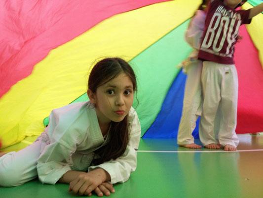 Karate mit Freude für Kinder Volksschule, hier Smart Wolves ab 6 Jahre