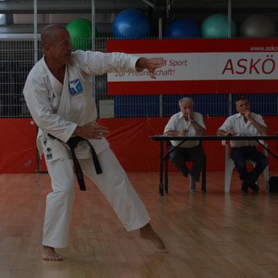 einmal Karateprofi, immer Karateprofi