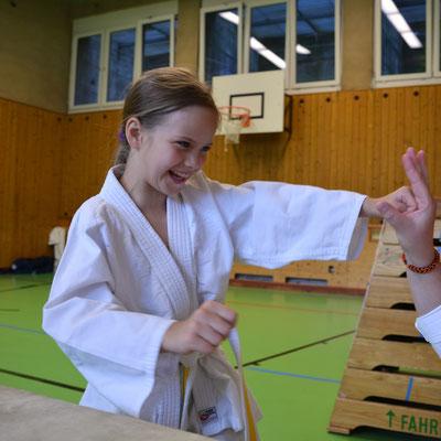 Volksschule, Selbstverteidigung, Jugendtraining, Kampfsport für Mädchen