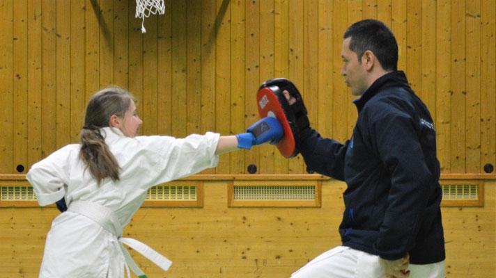 Pratzentraining, wettkampfnahe, Jugendtraining, Kumite