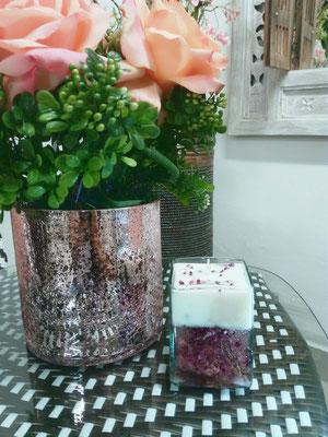 Vela Perfumada fragancia frutos rojos elaborada en cera vegetal y gel vertida en cristal artesanal