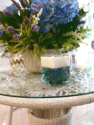 Vela Perfumada fragancia lavanda elaborada en cera vegetal y gel vertida en cristal artesanal