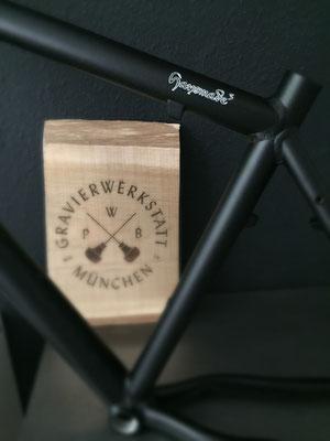 Logo auf Fahrradrahmen
