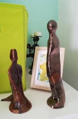sculpture de droite offerte et celle de gauche  prix demandé 60€