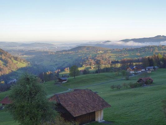 Blick nach Aeschi, Thun und bis zum Jura vom Gasthof Engelberg Scharnachtal