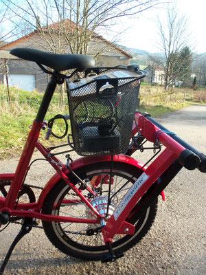 On peut les fixer a l'arrière du vélo et se rendre à vélo sur le lieu de l'animation !