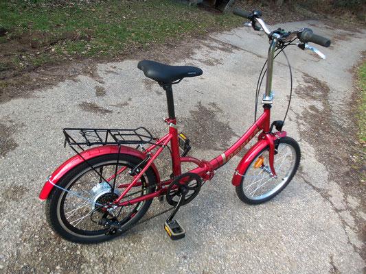 Le vélo seul prét pour partir en ballade ...
