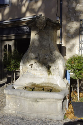 Pernes-Les-Fontaines and its fountains