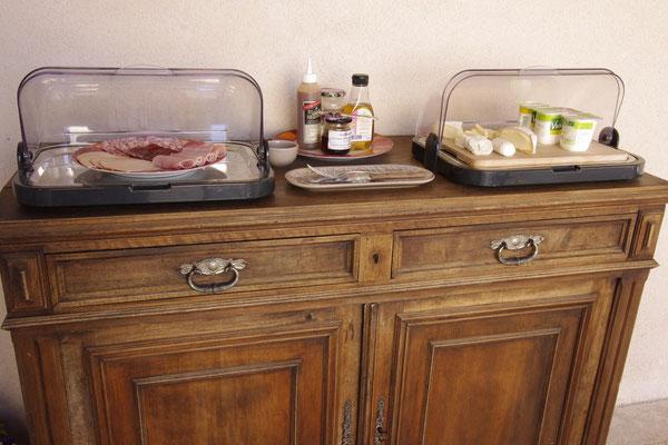 le buffet de fromages et charcuterie