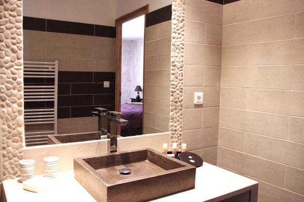 Pungwe Zimmer, Badezimmer