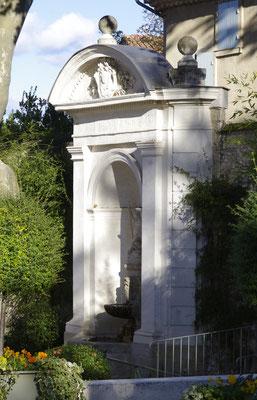 Pernes-Les-Fontaines, grande fontaine