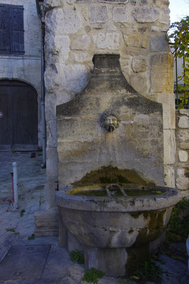 Pernes-Les-Fontaines, village provençal