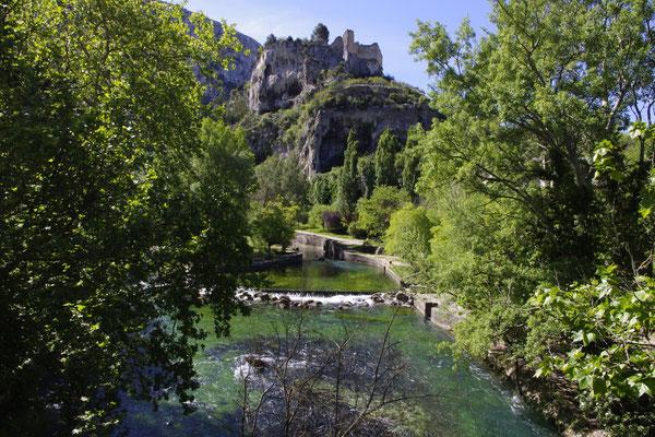 fontaine de vaucluse, the river Sorgue