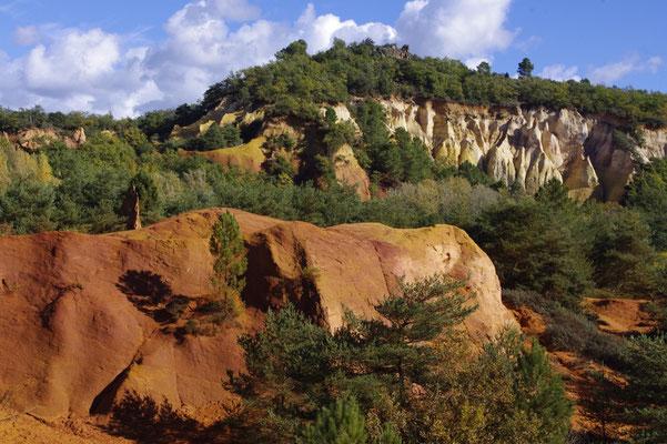die Ockerfelsen in Roussillon