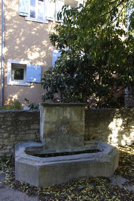 Pernes-Les-Fontaines, Mittelalter Dorf