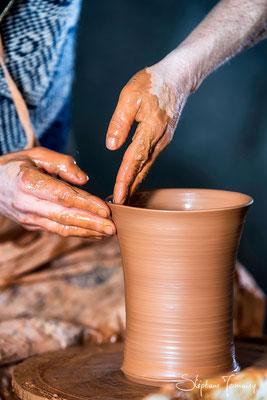 Keramiker am Werk