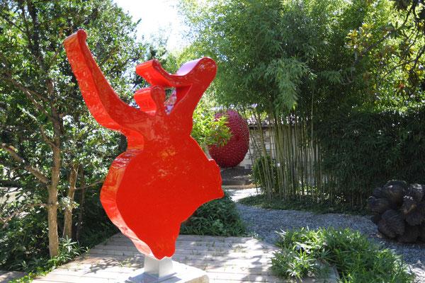 villa Datris, Skulptur in dem Garten