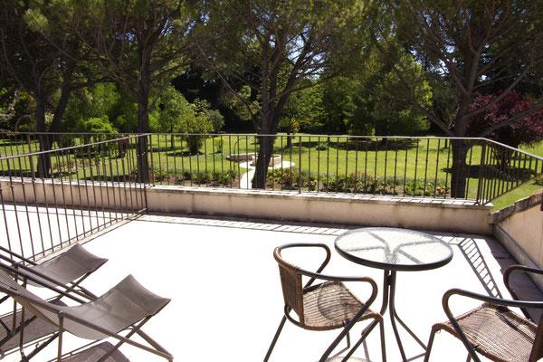 la terrasse de la chambre Pungwe, 17 m2 qui domine le parc