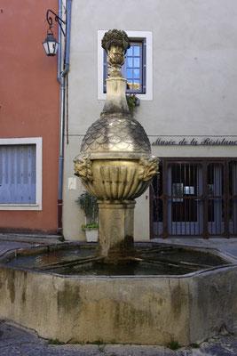 Pernes-Les-Fontaines, l'eau coule à flots