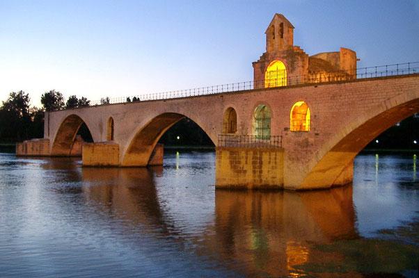 Avignon Brücke wit den 4 Bogen