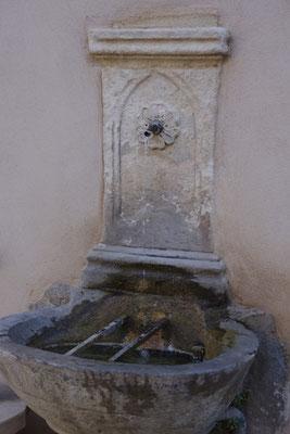 Pernes-Les-Fontaines, eine Wasser Geschichte...