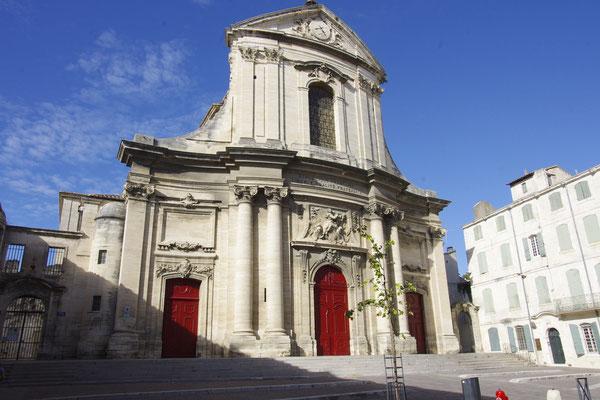L'église Notre Dame des Pommiers à Beaucaire