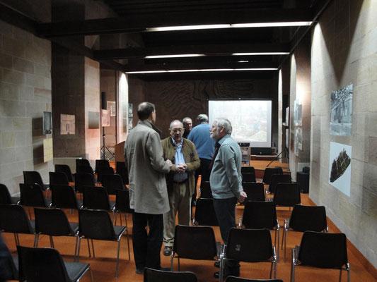 Im Gespräch: Max Laveuve, Klaus Michael Wilhelm (Vorstandsmitglied) und Prof. Dr. Georg Maybaum