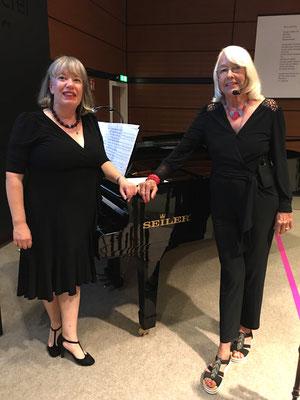 Brigitte Becker und Dorothea Paschen Konzert Latin Postcards