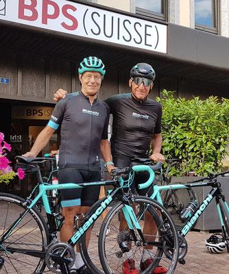 Markus und Chris mit fast identischen Specialissima Tavolozza. Es gibt nur zwei solche Räder in der Schweiz.